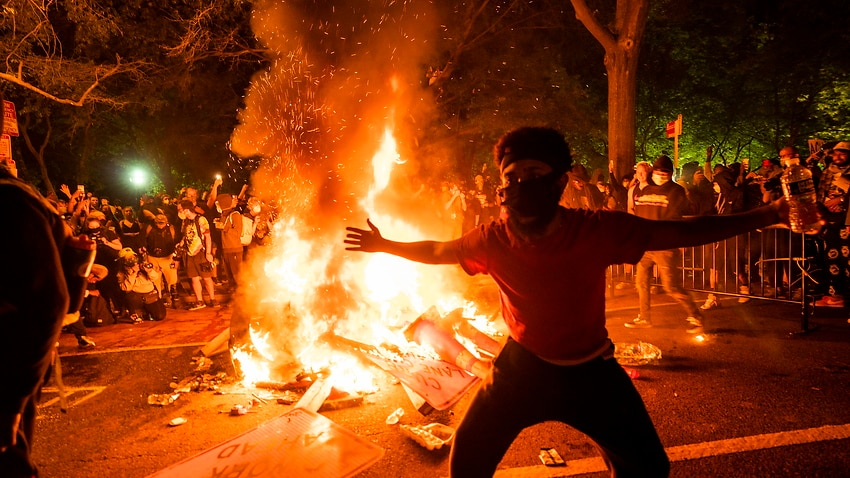 Image for read more article 'Fire and tear gas outside the White House on sixth day of protests following George Floyd's death in custody'