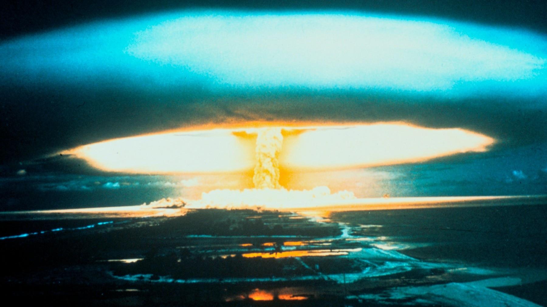Il fungo atomico nell'atollo di Bikini