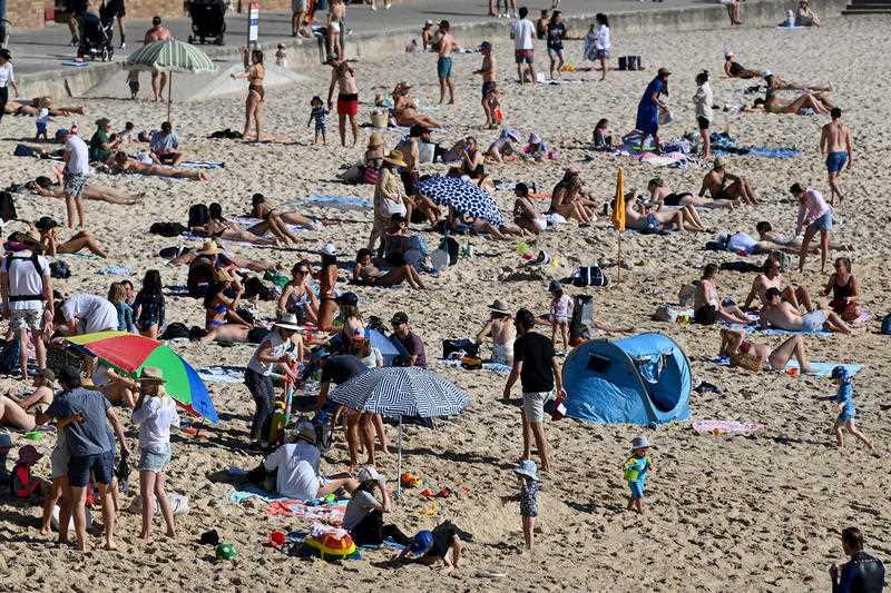 Crowds of people at Bronte Beach in Sydney.