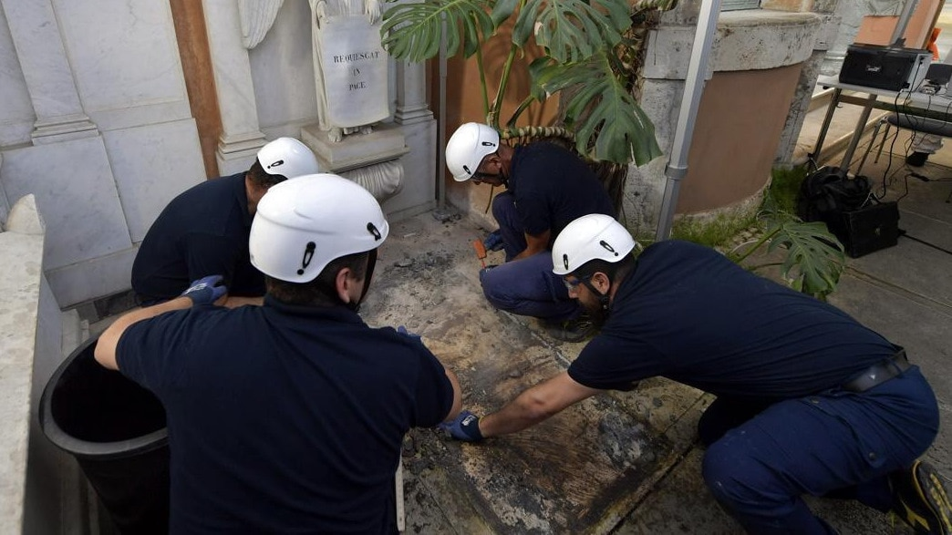 No bones found in Vatican tombs searched for missing girl