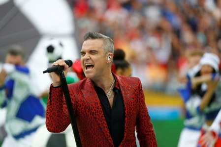 Robbie Williams accused of playing rock to annoy Jimmy Page
