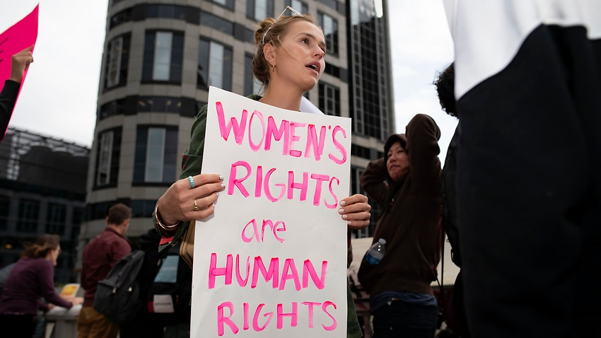 Image for read more article 'Fear and hope in the US over the major abortion case that 'could roll back Roe v Wade''
