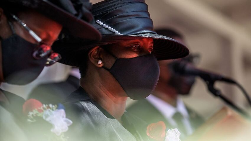 Image for read more article ''We must find justice': Unrest mars funeral of slain Haitian president'