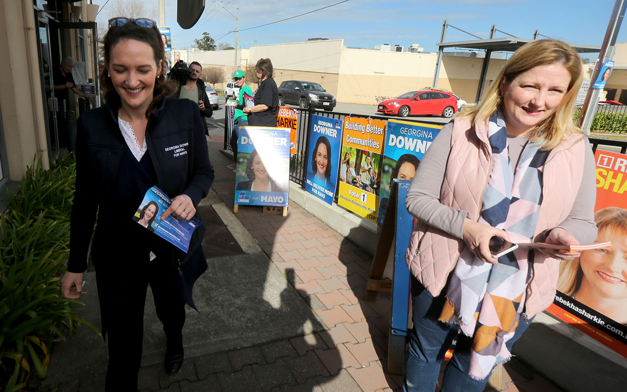Mayo candidates Rebekha Sharkie (right) and Georgina Downer at a Mayo by-election pre-polling booth in Mount Barker, Adelaide