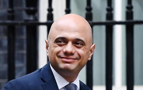 c27ce15ff3507 ابن مهاجر باكستاني يسعى لزعامة حزب المحافظين البريطاني