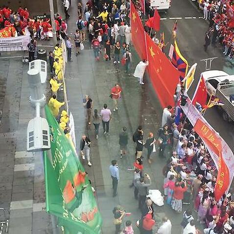 People who welcome PM Keqiang Li