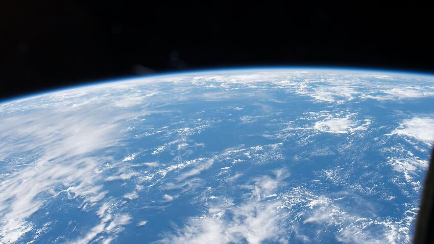 The ozone layer is on tract to heal completely during this century, the UN's environmental agency has found.