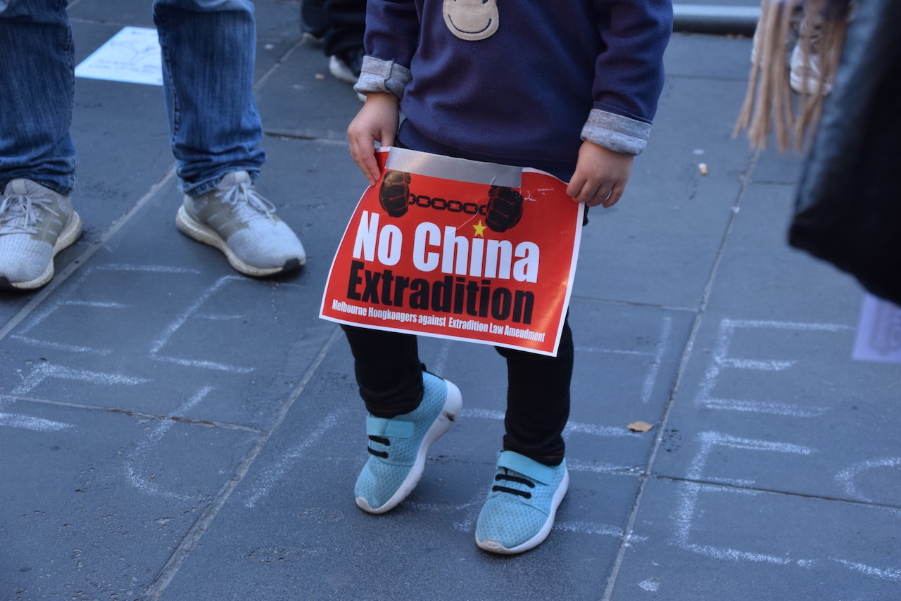People in different cities in Australia have rallied to protest against the extradition bill being put forward by the Hong Kong government (澳港聯)