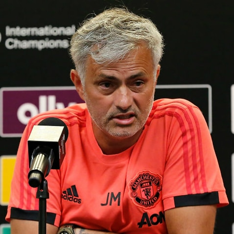 Manchester United back José Mourinho despite manager's transfer frustrations