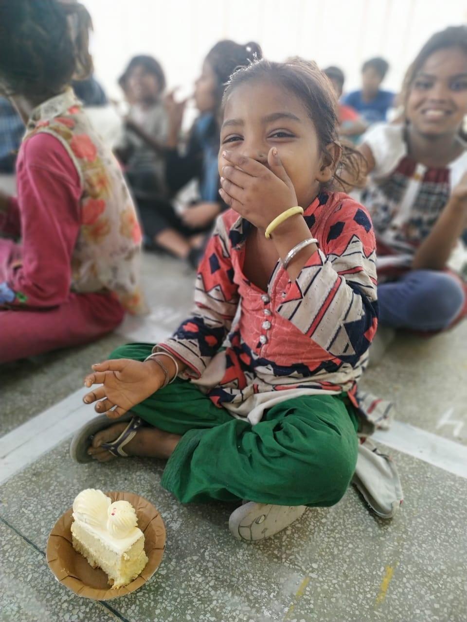 Food drive organised by Har Hath Kalam in Patiala, India