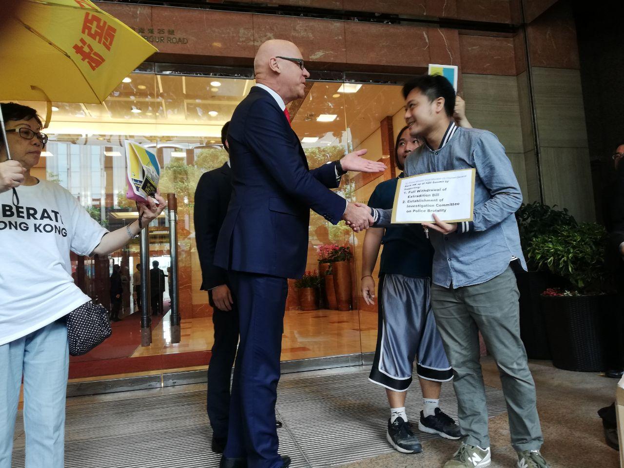 Hong Kong protestors G20 19 Consulates Petition on 26 June 2019