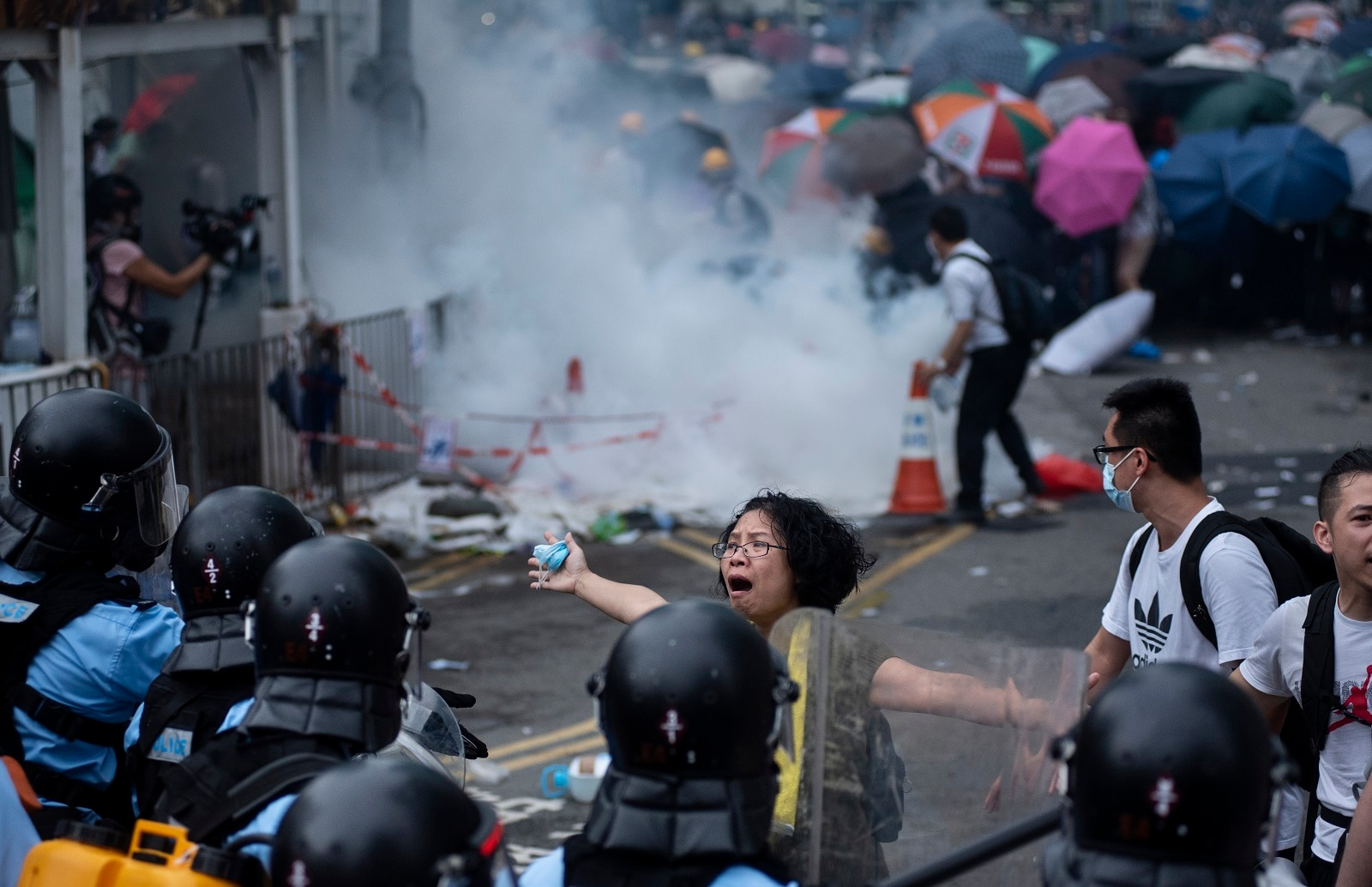 China tells U.S. to stop trying to 'mess up' Hong Kong