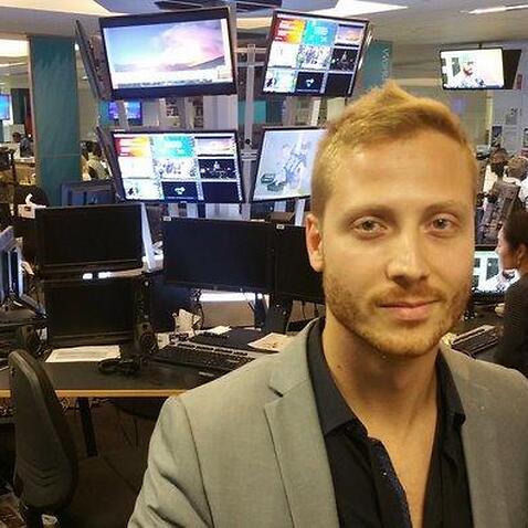 David Mirabella na Rádio e TV SBS em Sydney