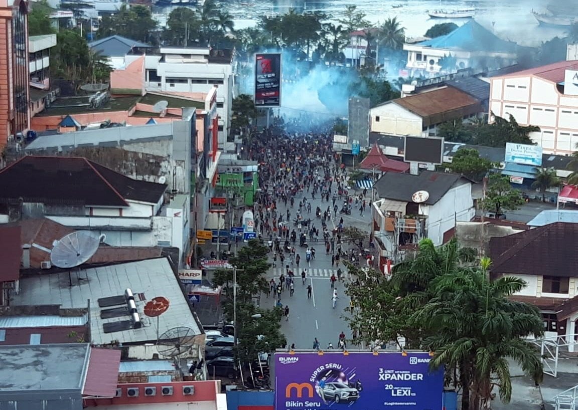 Protesters march during a violent protest in Jayapura, Papua Province, Indonesia, 29 August 2019.