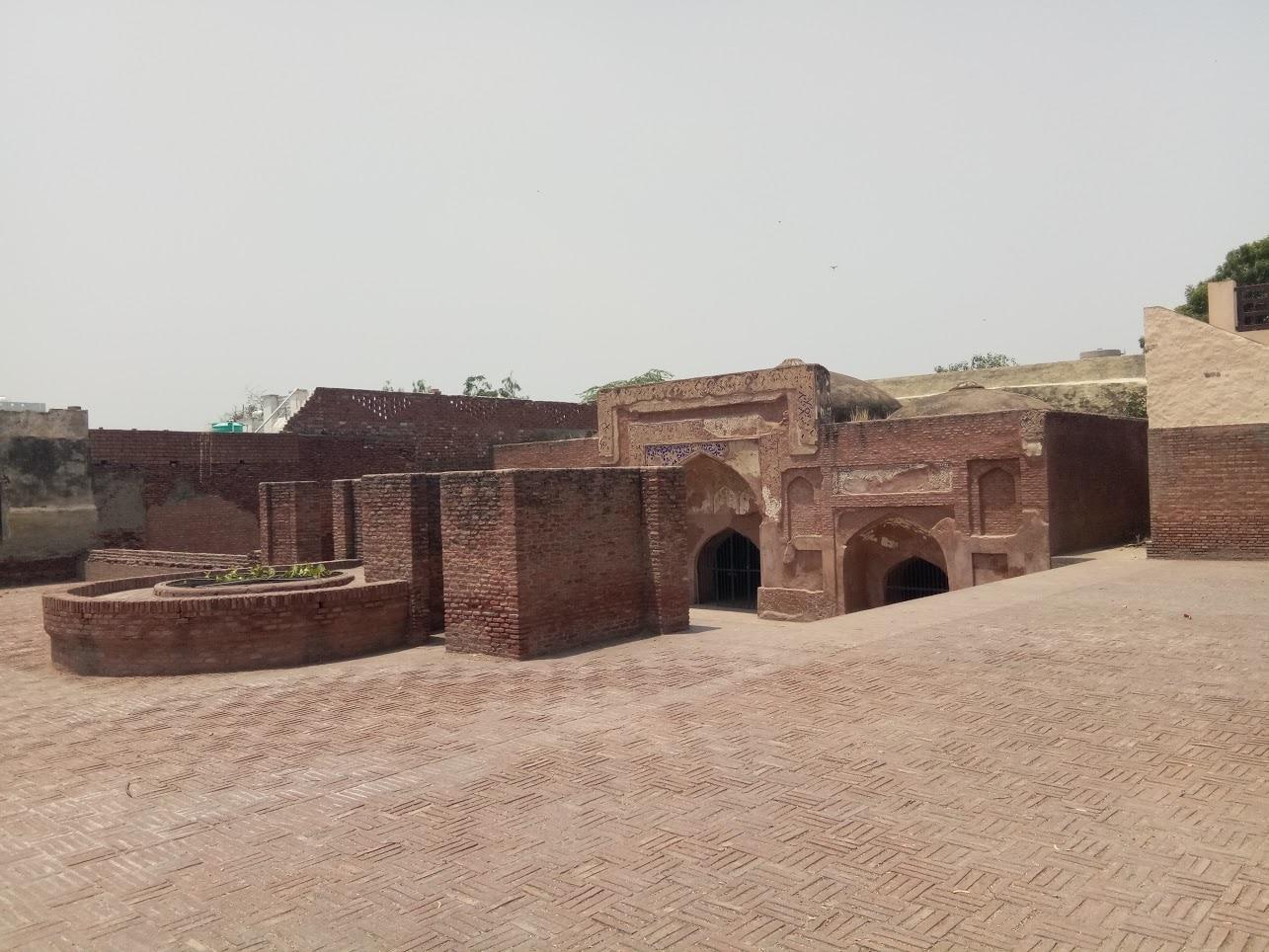 Mausoleum at Sarai Amanat Khan