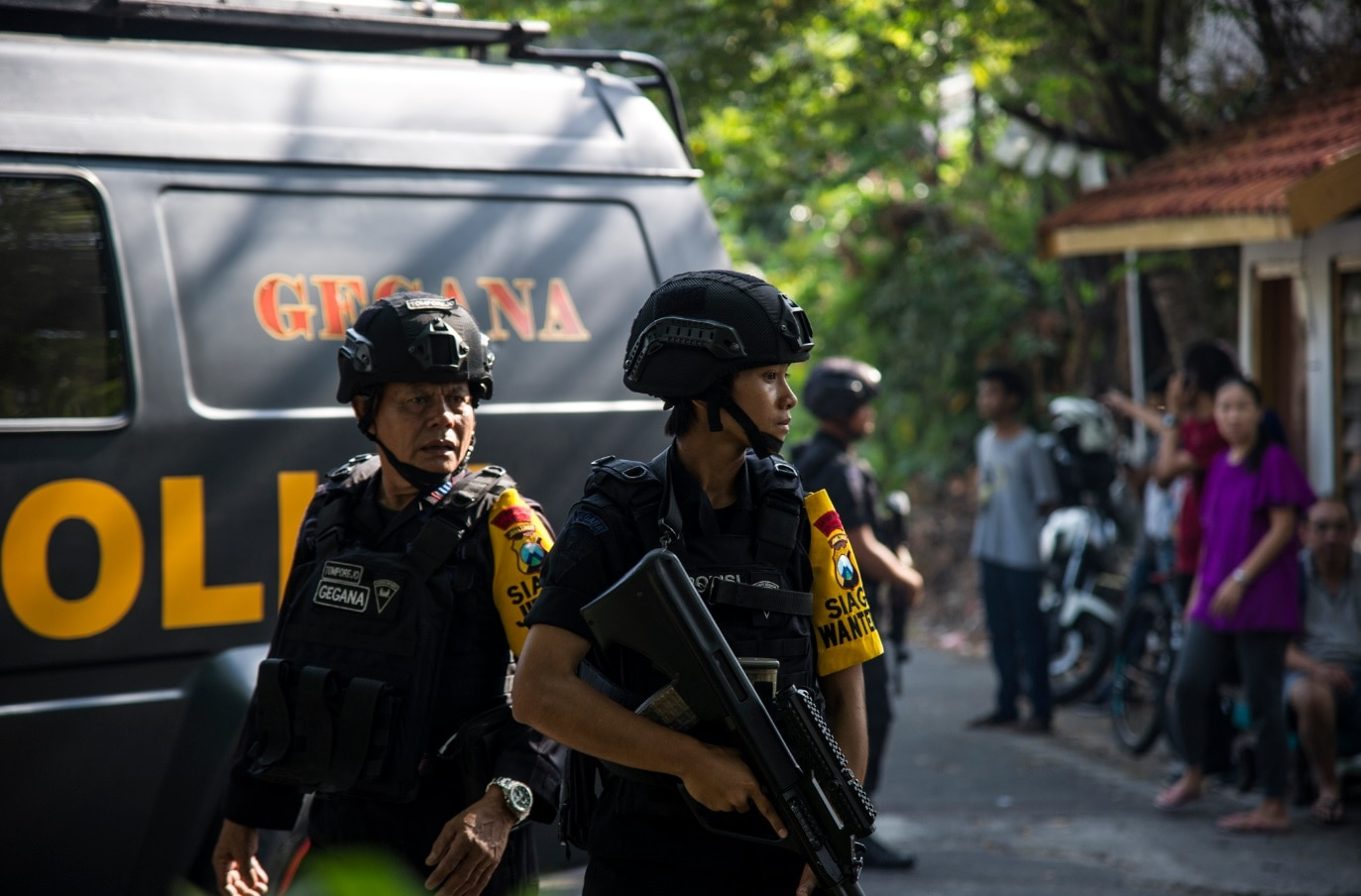Family of 6 bombs 3 churches in Indonesia