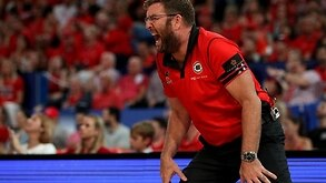 Perth Wildcats have re-signed NBL title-winning coach Trevor Gleeson. (AAP) 96ebf8eb827b6