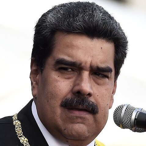 Maduro accused of risking lives by blocking aid