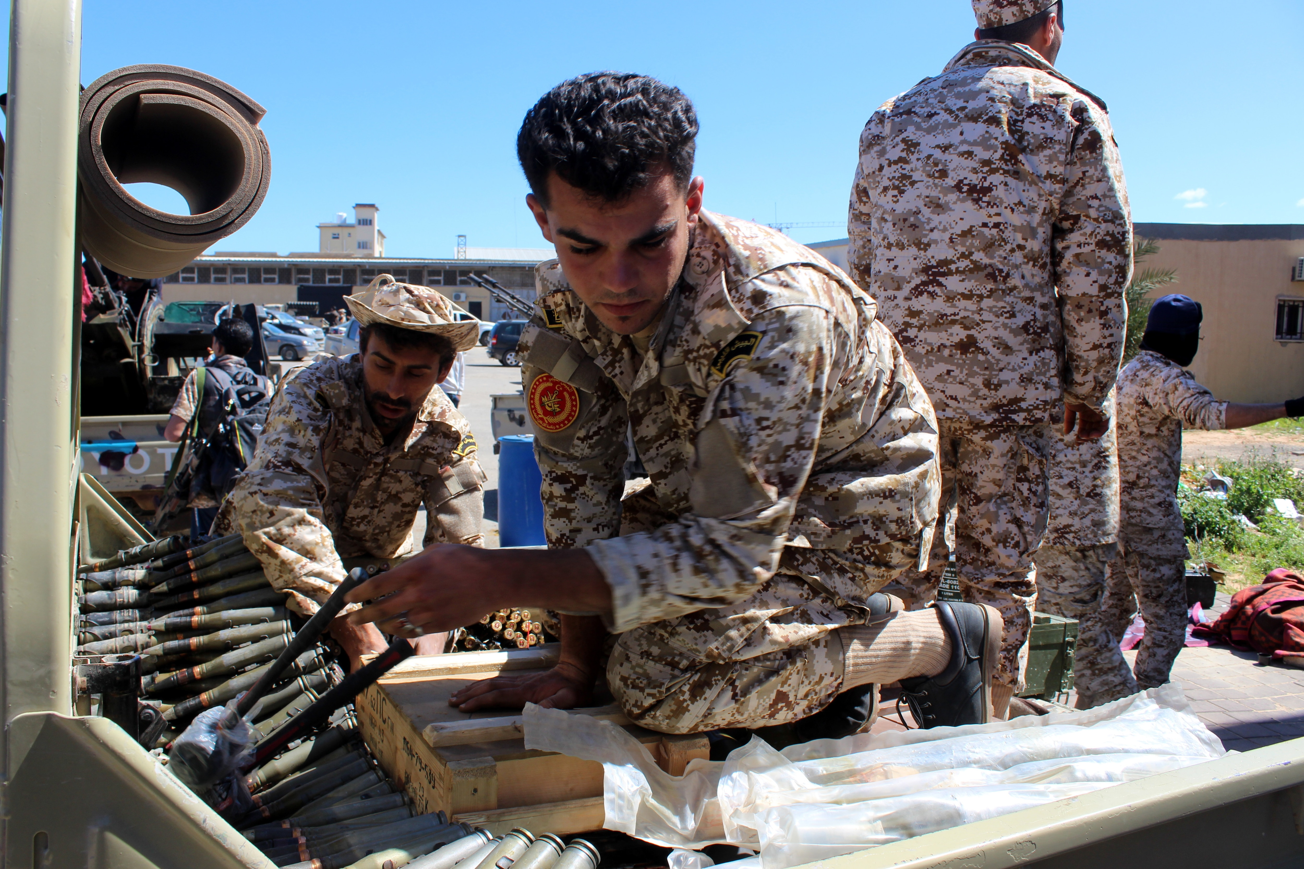 Commander of the Libyan National Army Khalifa Haftar has ordered Libyan forces loyal to him to take the capital Tripoli, held by a UN-backed unity government.