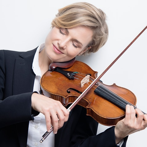 ACO Principal Violin Satu Vänskä plays the 300-year-old Strativarius.