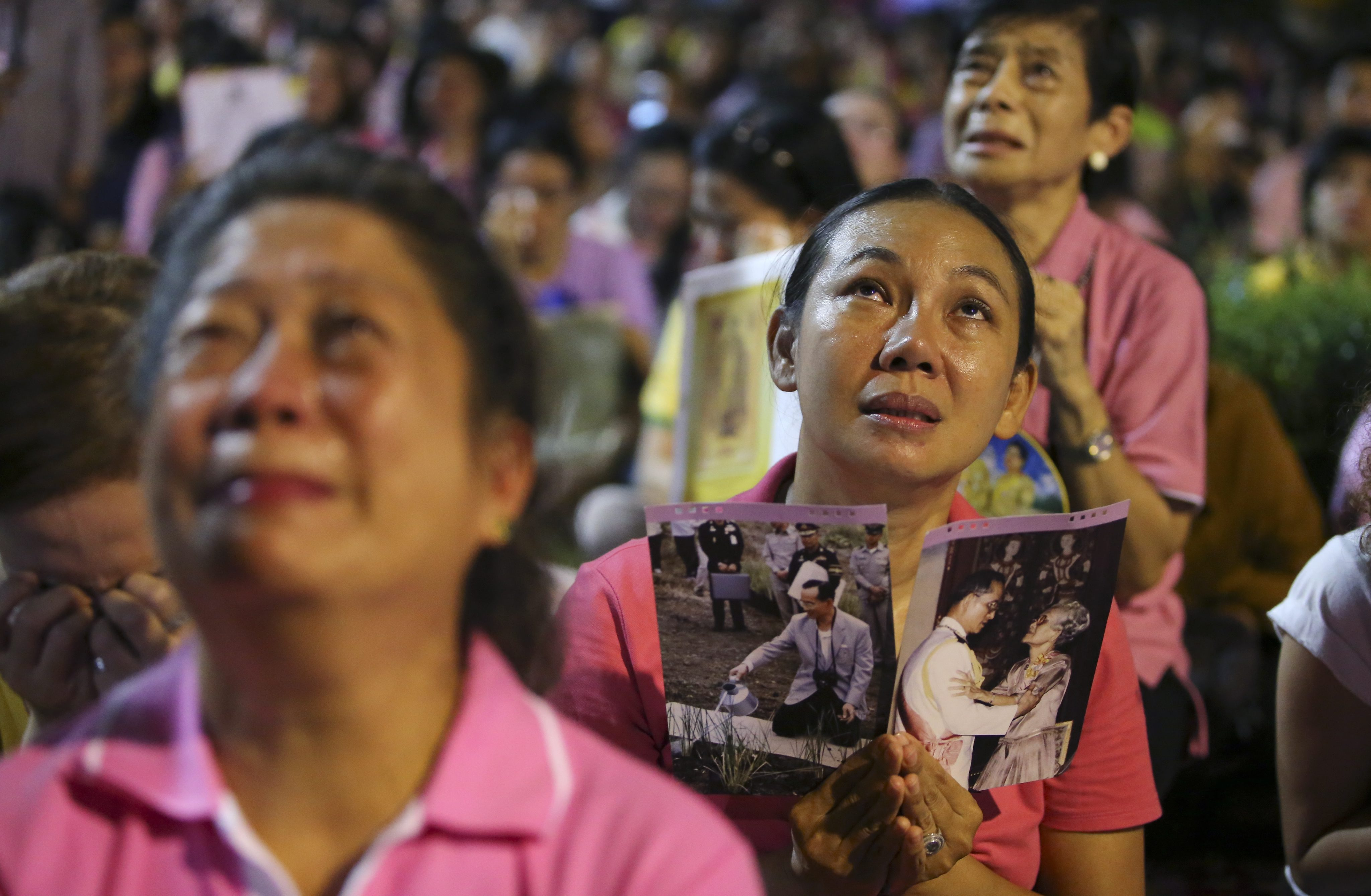 Long live the king': Thailand mourns death of beloved king Bhumibol