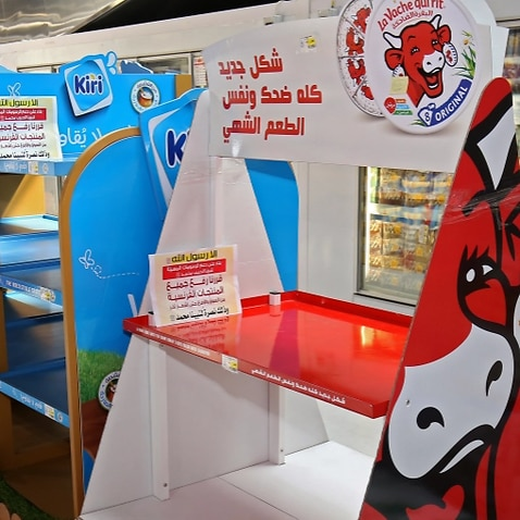 Kuwait retail co-ops remove French products over Prophet cartoons.