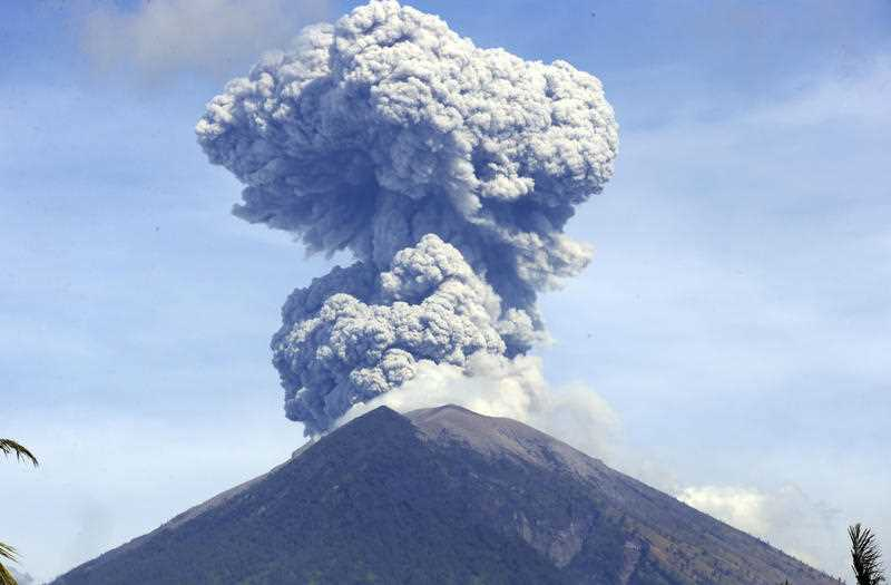 Volcano On Bali Erupts Flights Cancelled