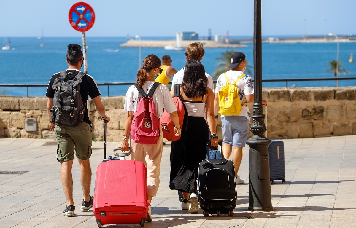 Coronavirus: UK advises against non-essential travel to Spanish isles