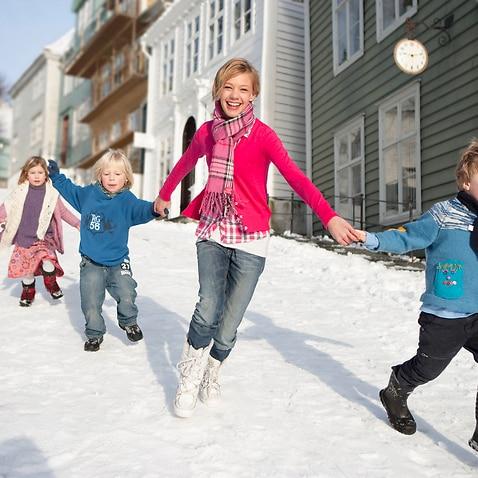 children running in the now in Norway