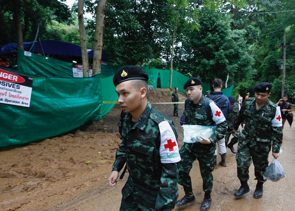 Thai military medical personnel move