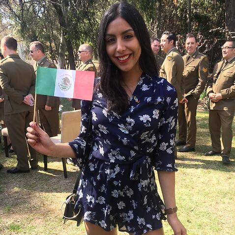 Viry y bandera mexicana