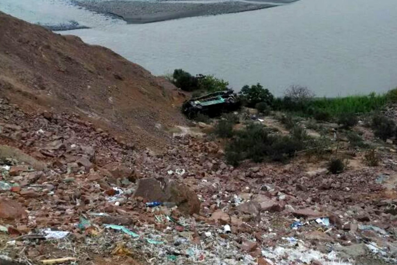 At least 44 killed as double-decker bus plunges off cliff in Peru