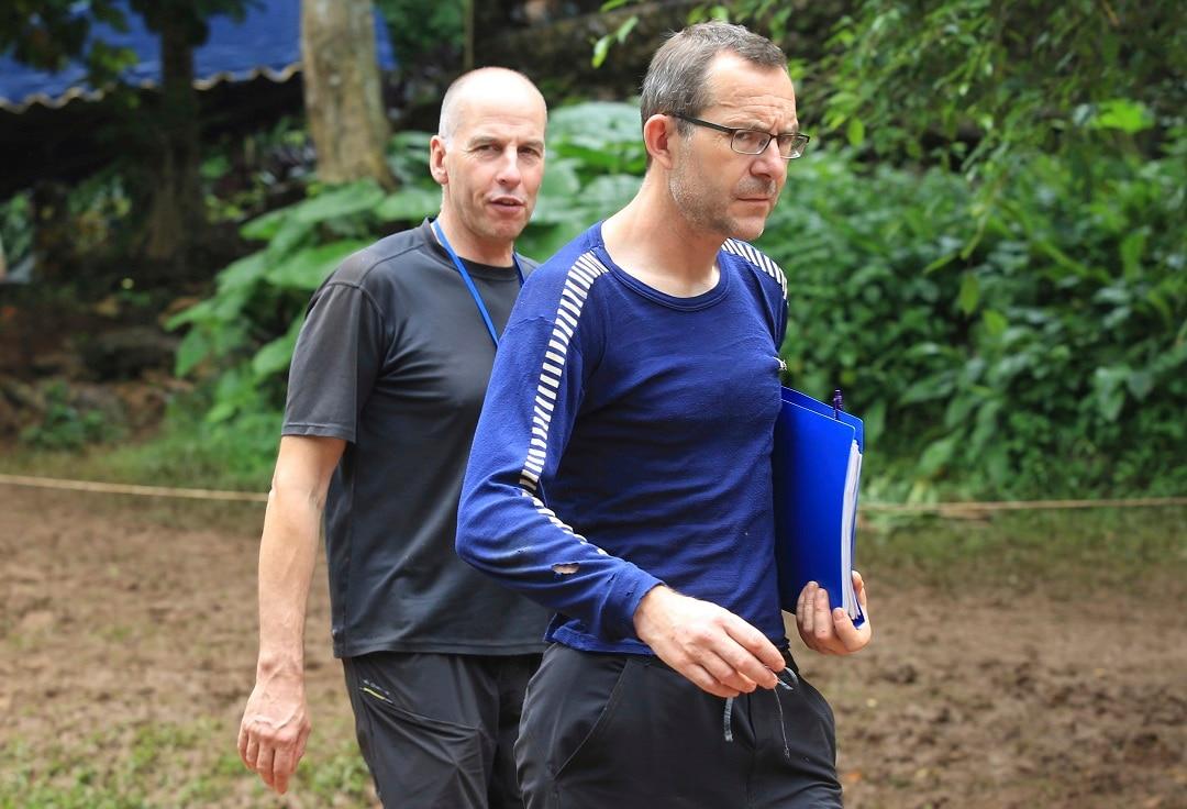 Richard William and John Volanthen arrive in Mae Sai.