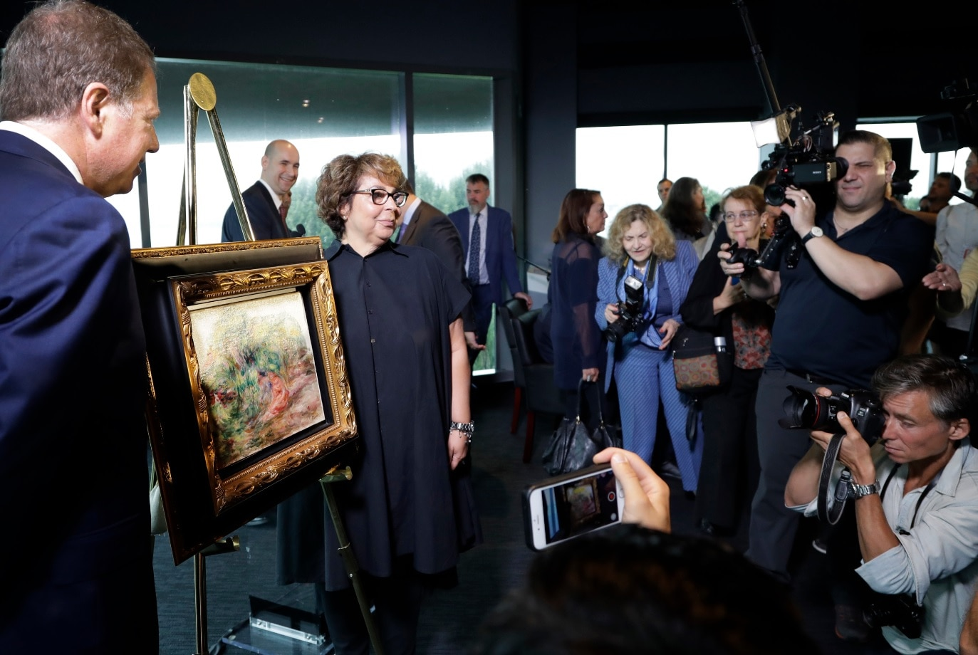 Renoir painting stolen by Nazis returned to rightful owner