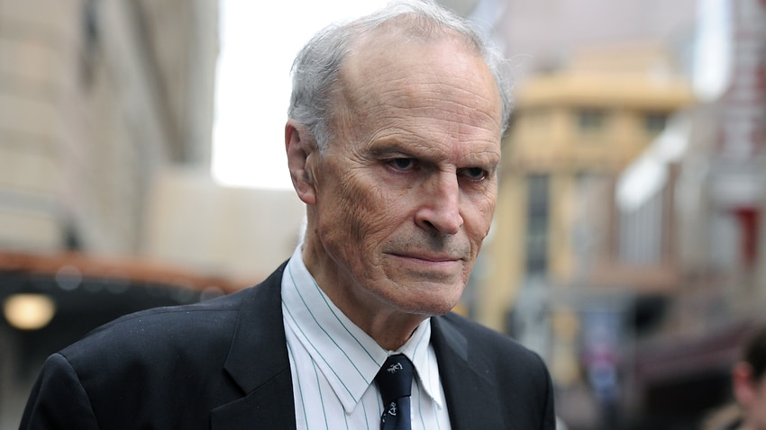 Image for read more article 'Calls to revoke Dyson Heydon's Australian honours over sexual harassment finding'