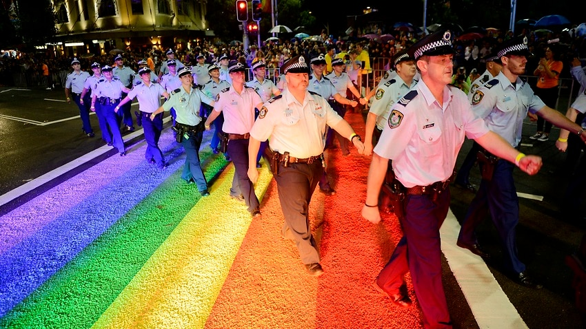 Sydney Mardi Gras members vote against Pride in Protest push to ban police from 2021 parade – SBS News