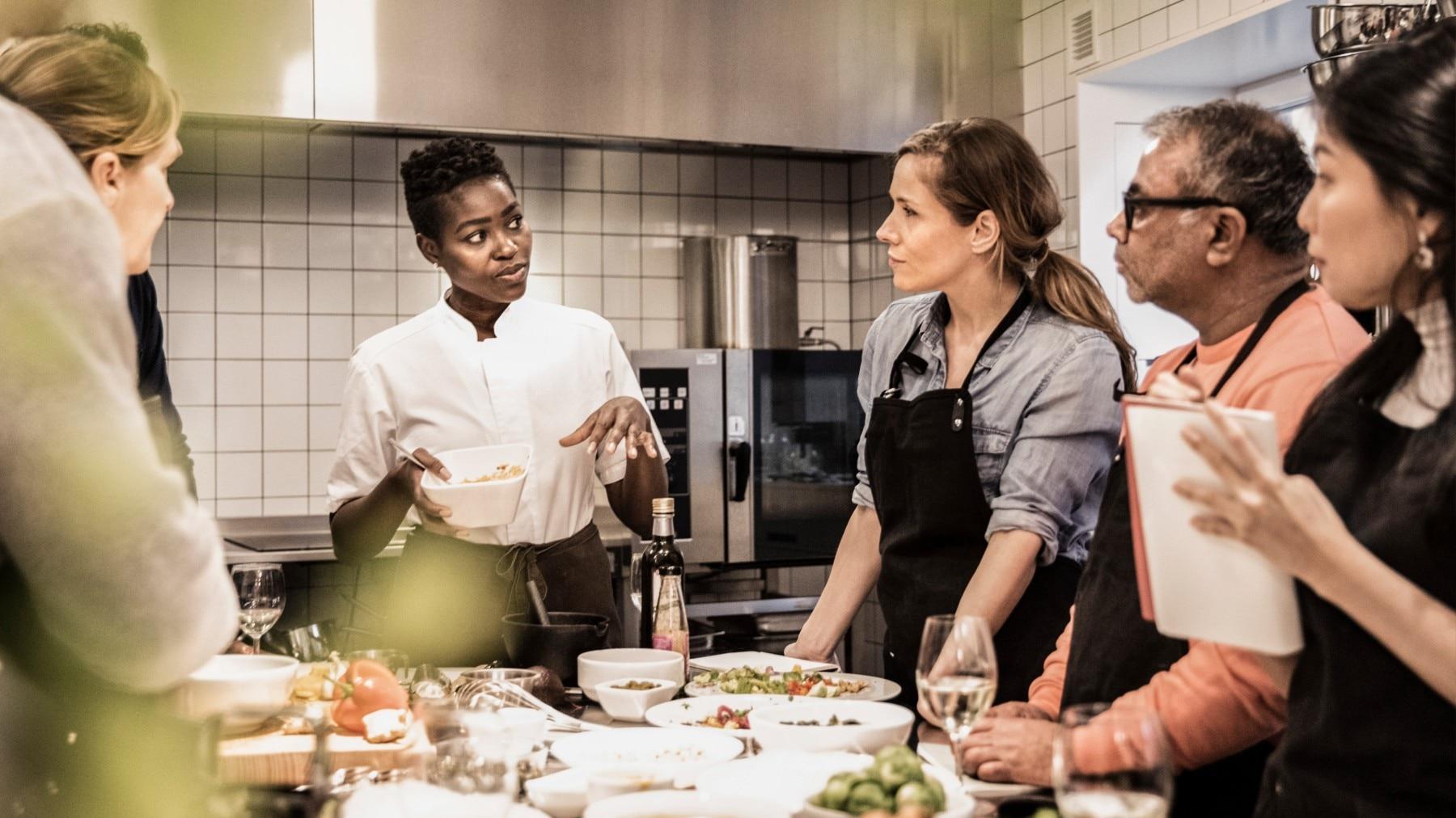 kitchen staff, cooking class, TAFE