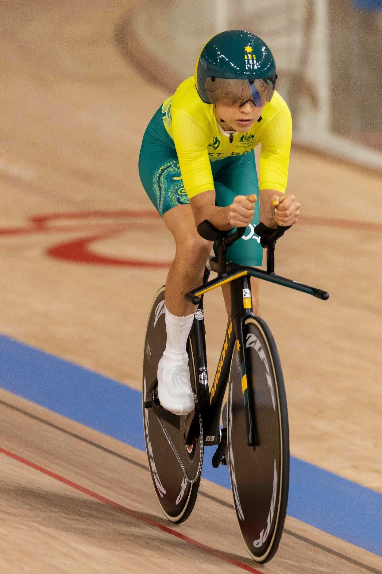 Australian para-cyclist Meg Lemon hopes that the spotlight on athletes' performance at the Tokyo Paralympics will help close the pay gap.