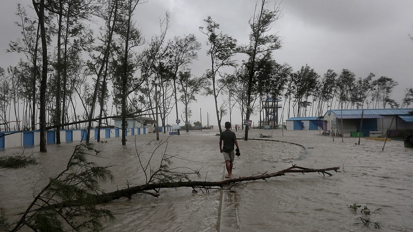 Image for read more article 'At least two people dead as a second cyclone in two weeks bears down on COVID-ravaged India'