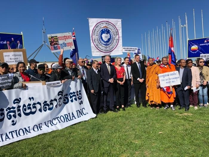 Members of Australia's Cambodian community meet with MPs at Parliament House in Canberra.