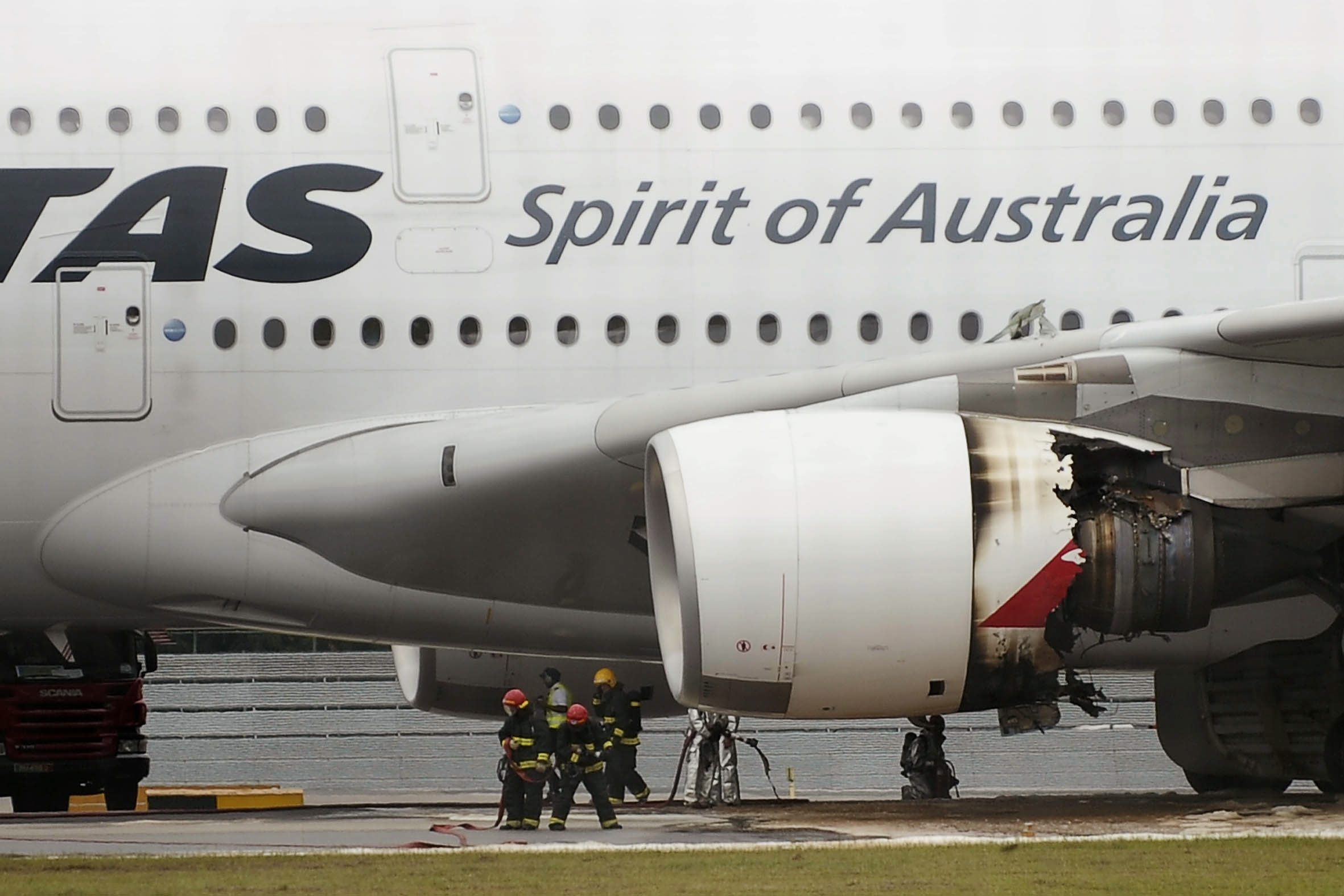 The damaged engine of QF32