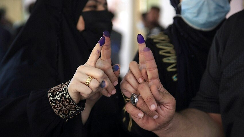 Image for read more article 'Polls open in Iraq amid tight security'