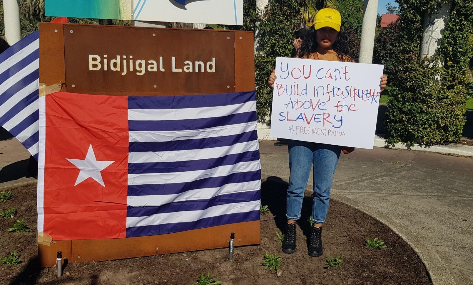 Australians have rallied in support of the Papuan protesters.
