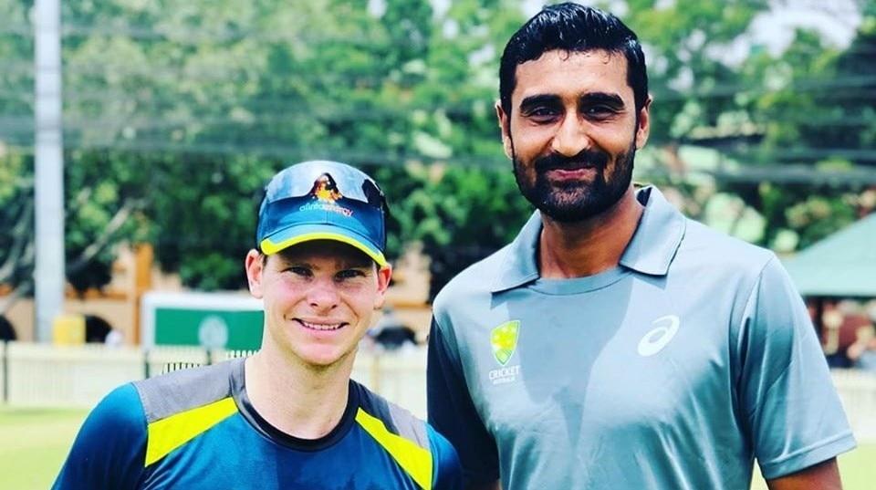Cricketer Mohammad Irfan Jr with Australian Cricketer Steve Smith.