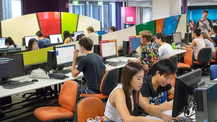 Australia, Queensland, Queensland University of Technology Garden Point Library students computer